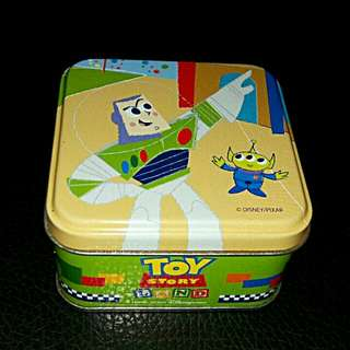 二手香港迪士尼玩具總動員三眼怪巴斯光年糖果盒鐵盒空盒