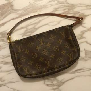 LV mini bag with long chain