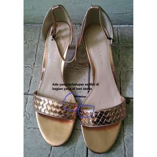 charles and keith shoes Heal (ORI)