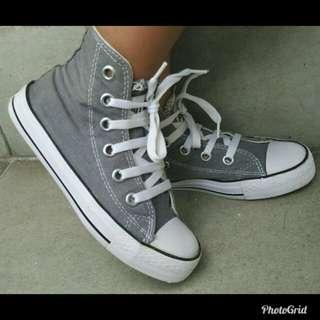 Sepatu anak converse