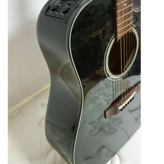 Takamine D seriesSemi Electric acoustic guitar ED 2DC
