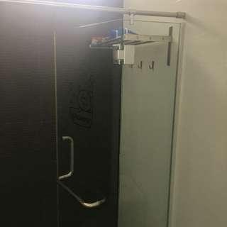 Shower glass screen
