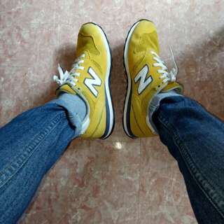 New Balance 373 Authentic