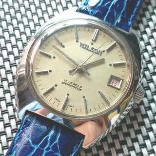 60年代瑞士製 Wilson 古董錶 面變黄無番寫,紅字日曆,代用皮帶 原裝上鏈機芯,巳抹油,行走精神 鮑魚錶頭37mm不連錶的 淨錶$650,減價$500,有意請pm