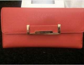 Preloved Ivanka Trumps wallet