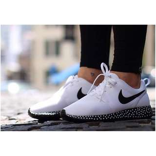 NIKE Roshe Run Sneakers White Mesh Body Black Spotted Sole Athletic Authentic