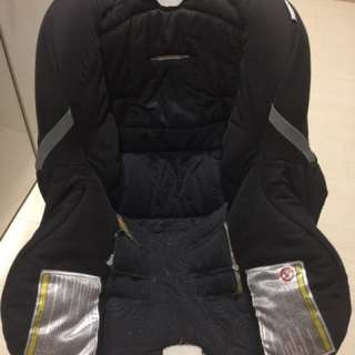 Britax first class model car seat with infant cushion