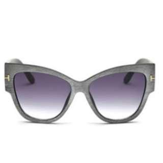 Silver Grey Wood-Like Frame Sunglasses
