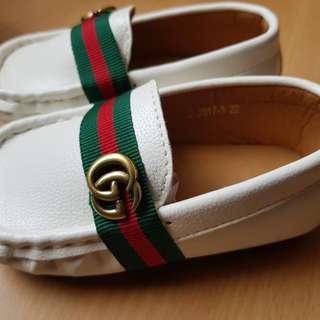Sepatu anak gucci