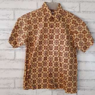 (Preloved) Kemeja Batik anak usia 8th
