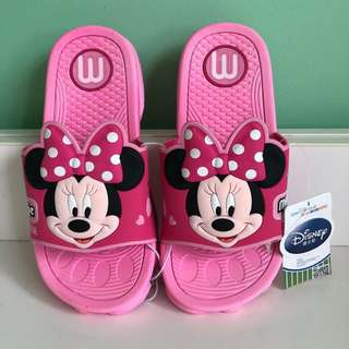 40% off SALE!! BN authentic Disney Minnie Mouse slippers / sandals