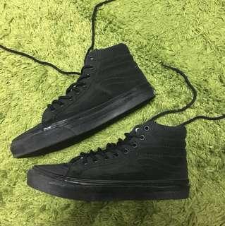 全黑高筒鞋(穿過一次)