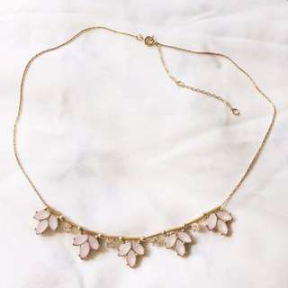 H&M BRAND NEW Pink Floral With Stone Necklace Gold