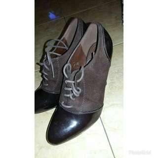 Brown semi Boots