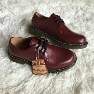 Dr Martens Low Cut Maroon