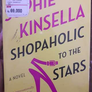 Novel, Sophie kinsella. shopaholic to the stars