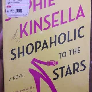Novel, Sophie kinsella. shopaholic to the stars