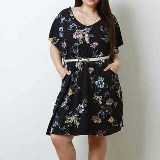 Plus size Dark floral dress