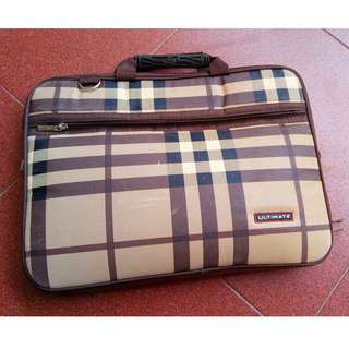 Ultimate Softcase Double Brown Burberry Tas Laptop 14 Inch