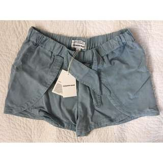 COUNTRY ROAD - SHORTS, brand new, with tags, size 8,