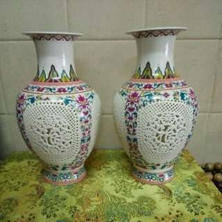 薄胎通花瓶(1对)高25x16cm