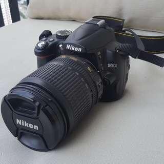 Nikon D5000 with 18-105 lens
