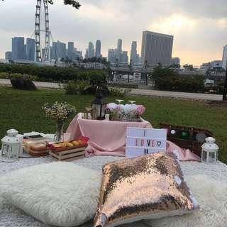Outdoor picnic decoration