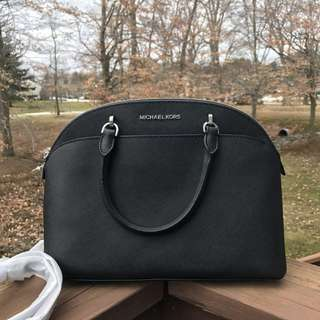 MICHAEL KORS EMMY LARGE DOME SATCHEL IN BLACK LEATHER