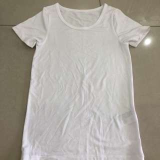 Uniqlo Girl White Tee (Size 110) (7-8 years)