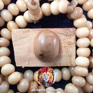 Permata Kayu Cypress (20 cents size)