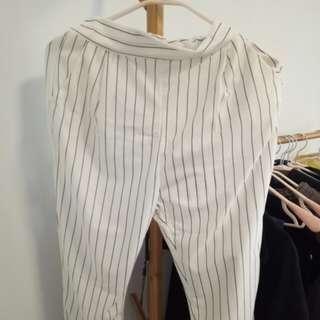 白色條紋七分褲(有口袋)