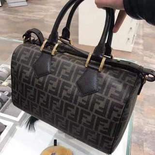 (FENDI )女包 NT $22500