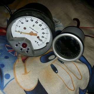 Rpm and vacuum gauge