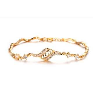 Lady's Luxury Gold plated Bracelet