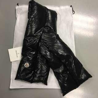 Moncler羽絨頸巾