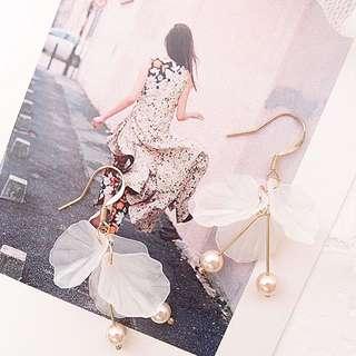 🚚 超仙白花氣質耳環