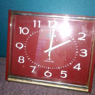 Rhythm 4 jewels transistor clocks