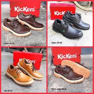 Freeong sepatu kickers kulit TR05