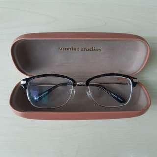 Sunnies Specs Glasses in Wes Dark Tort