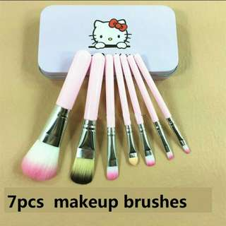Makeup brushes hello kitty