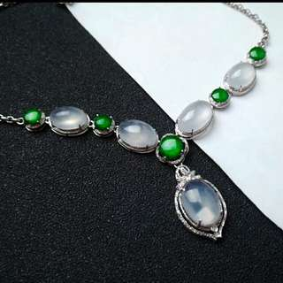 🏵️18K White Gold - Grade A Icy White and Green Oval Cabochons Jadeite Jade Necklace🍀