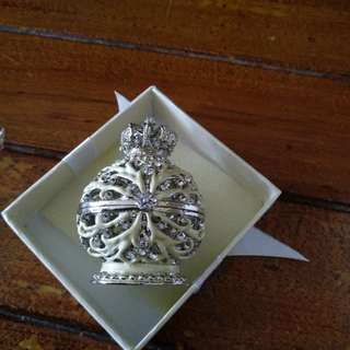 "Jewelry ""Crown"" holder"