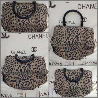 Givenchy pandora leopard printed