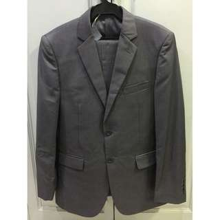 Onesimus grey suit jacket and pants set