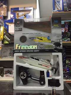 R/C RACING BOAT  Freedom High Speed Racing Boat .