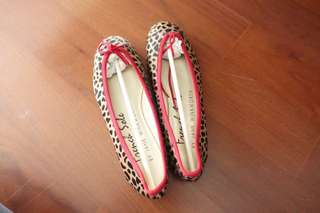 French sole flat ballet shoes