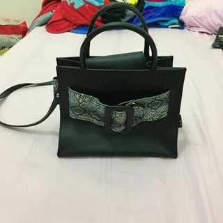 Sling bag Riya