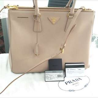 c833ca620ee5 100% AUTHENTIC NEW PRADA Dusty Pink Cammeo Saffiano Lux Bag