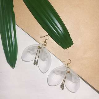 Earring / anting bunga