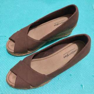 PAYLESS Brown Wedge Sandals